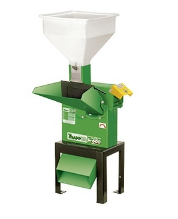 Triturador Forrageiro TRF-600 7,55CV trif.380/660 60HZ com base única
