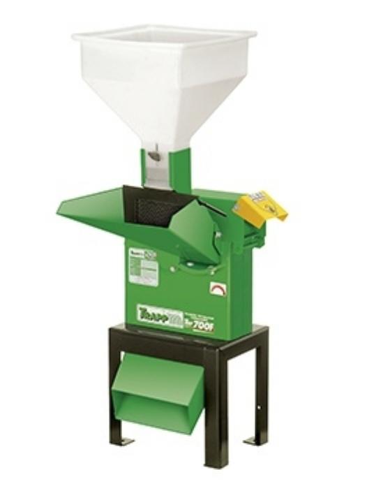 Triturador Forrageiro TRF-700F 7,5CV Trif 380/660 60HZ Com base única