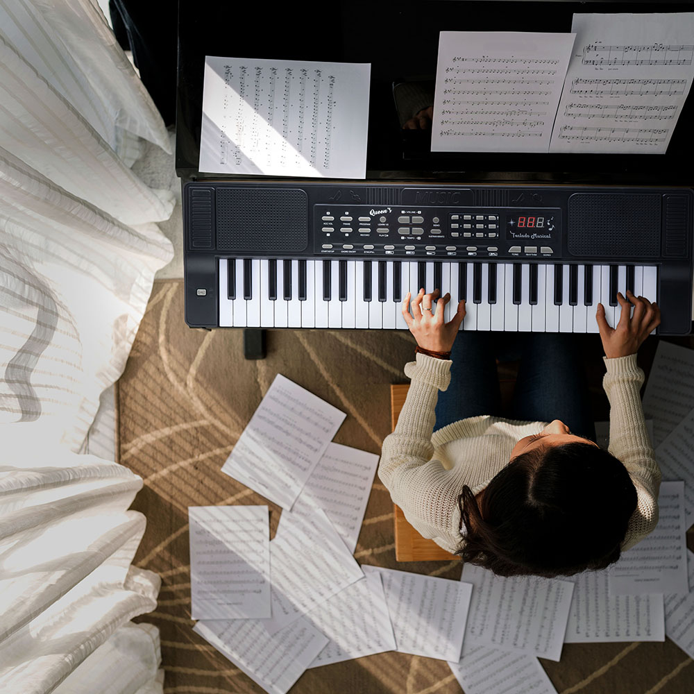 Teclado Musical Queen´s 54 teclas Para Iniciantes