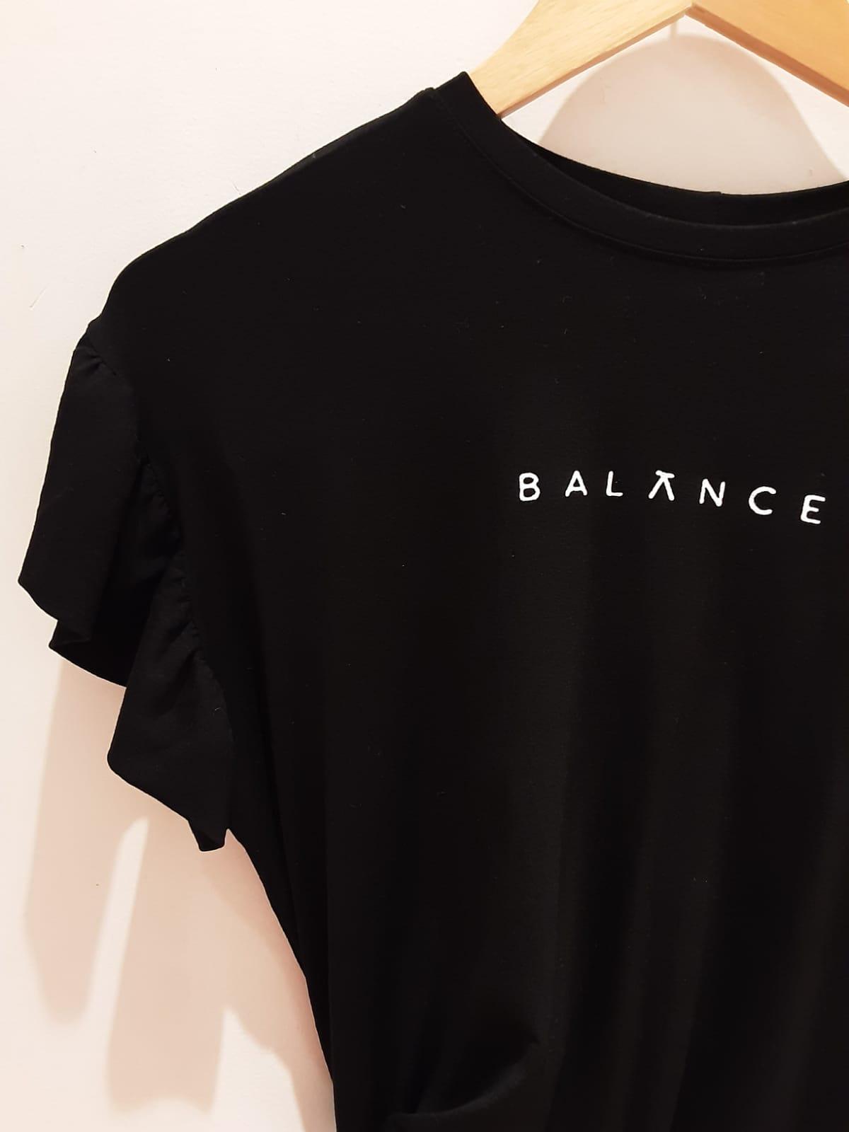Blusa T-shirt Minimalista