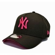 BONÉ NEW ERA ABA CURVA A-FRAME NEW YORK YANKEES PRETO E ROSA