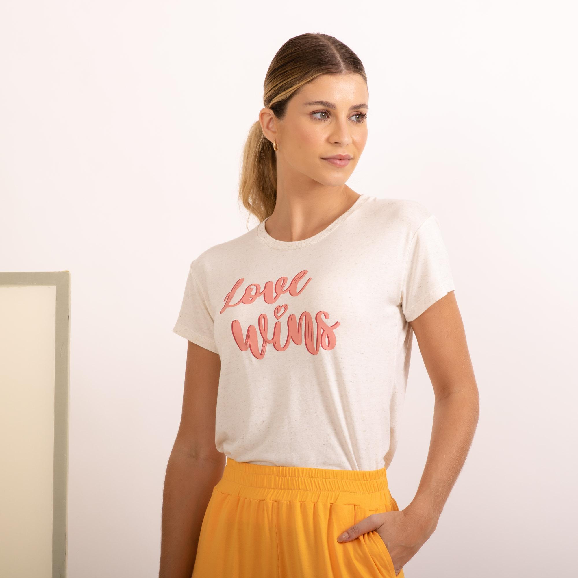 BLUSA MALHA LINHO LOVE WINS