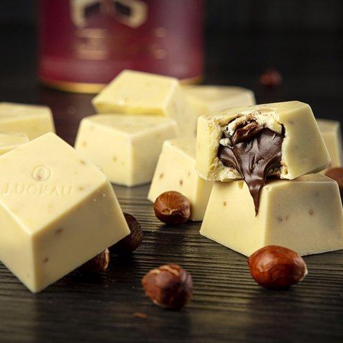 Bombom de Chocolate Belga Branco Zero Açúcar - Creme de Avelã - 200g