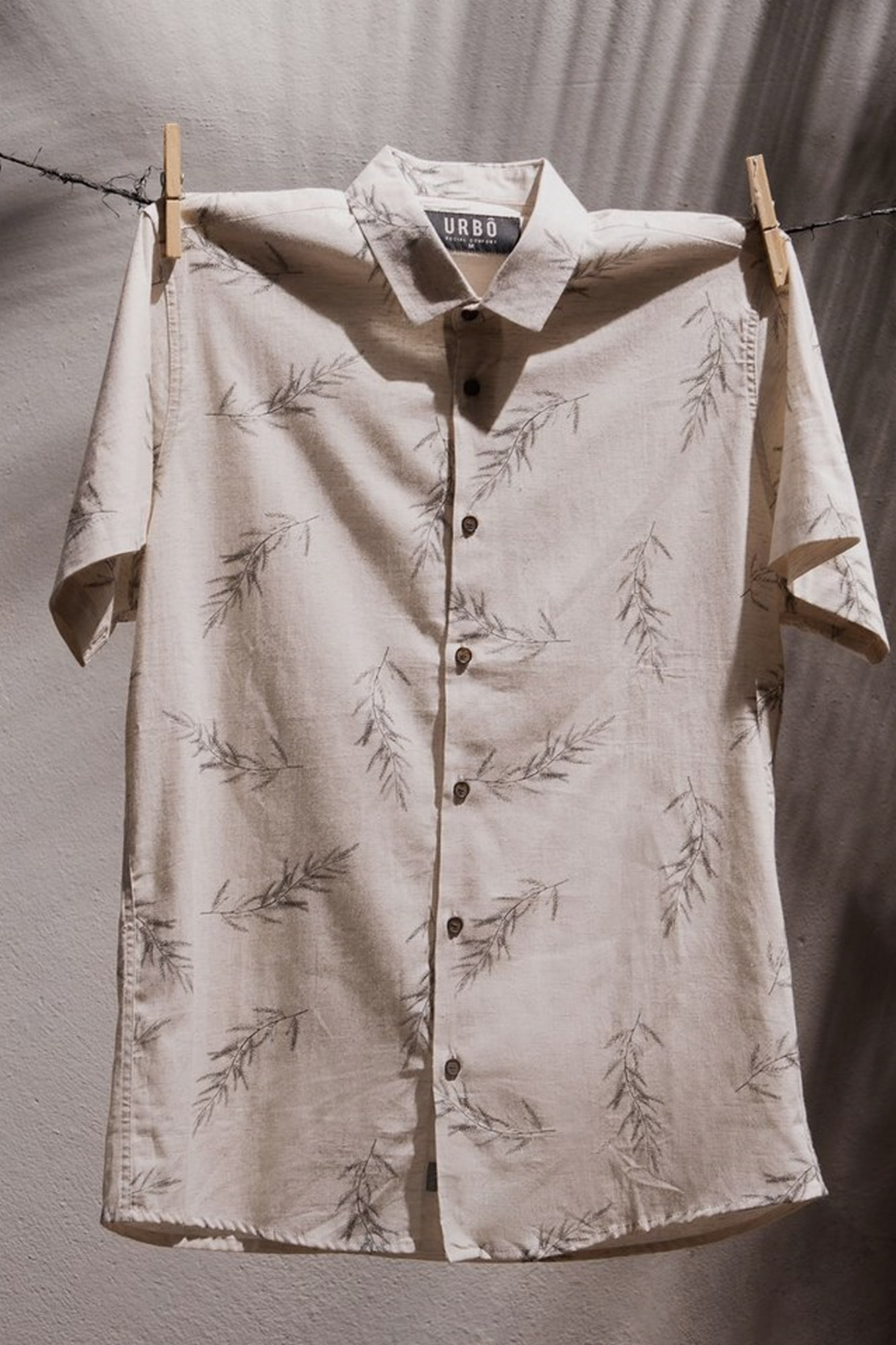 Camisa MC Simple Leaves Brown