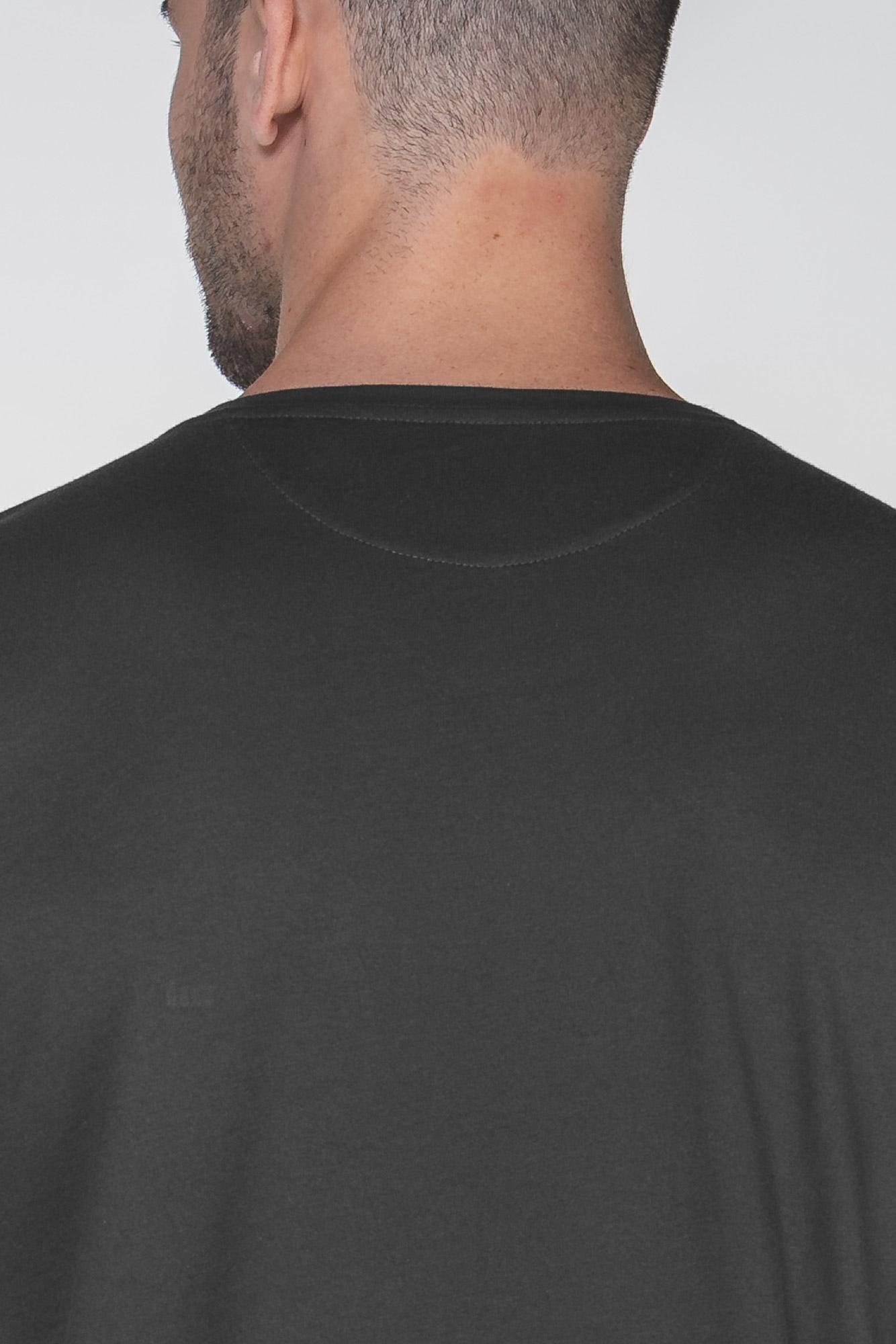Camiseta Egypt Simple V Preta