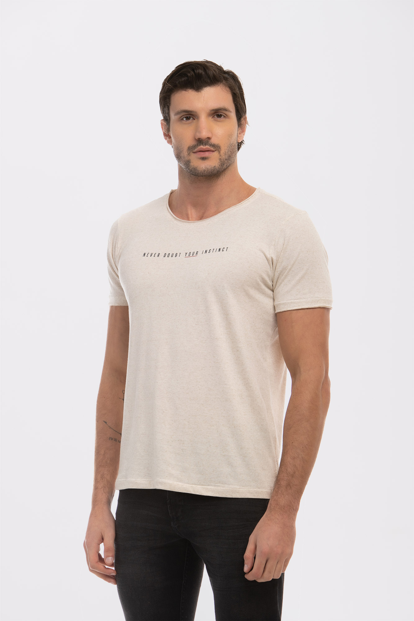 Camiseta Never Doubt