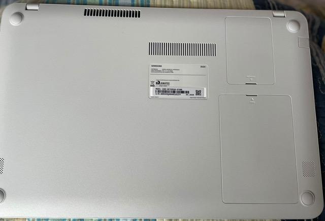 Notebook Samsung Essentials E30 NP350XAA-KF4BR Intel Core i3 4GB 1TB 15,6 Windows 10