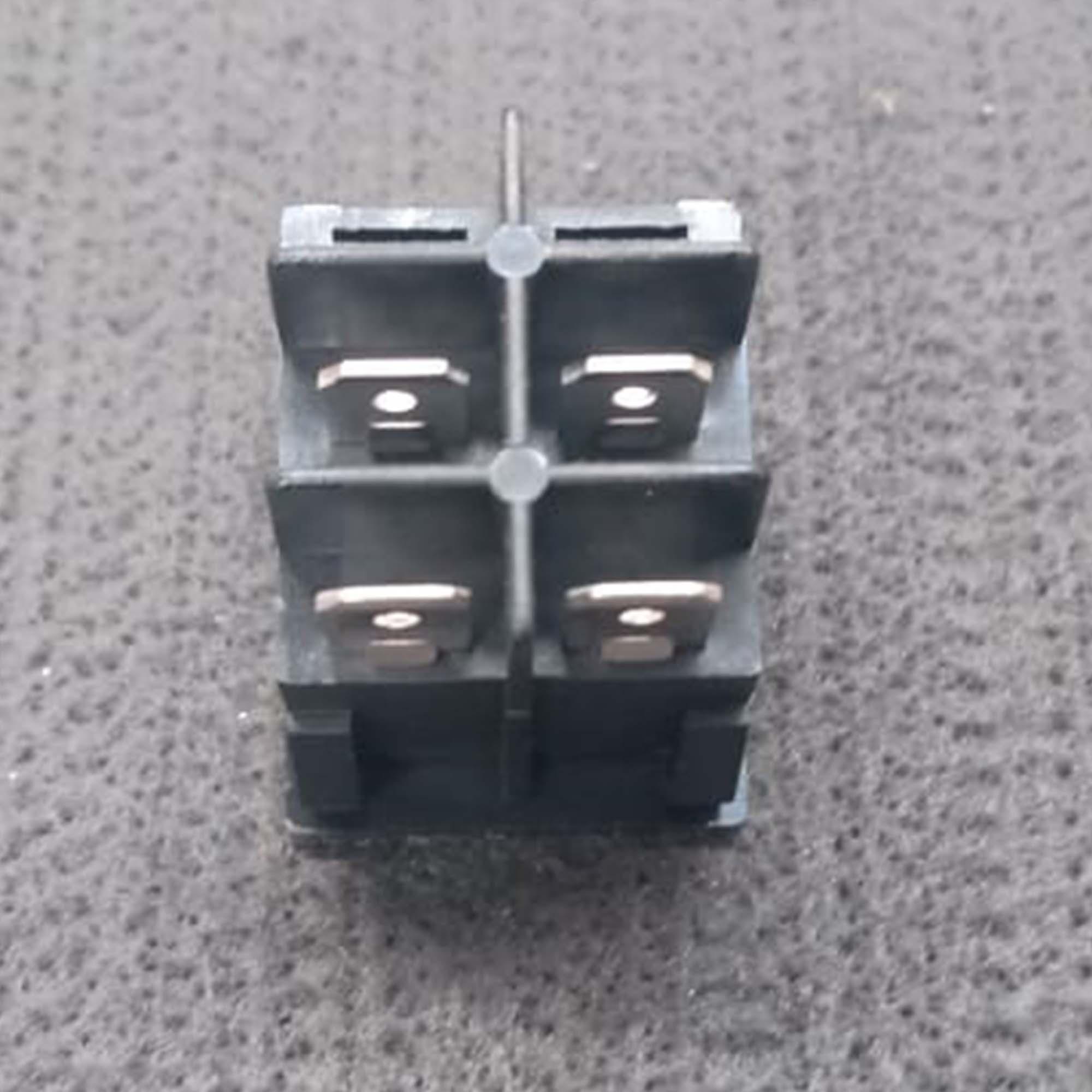 11070 - INTERRUPTOR C/LAMP-10A