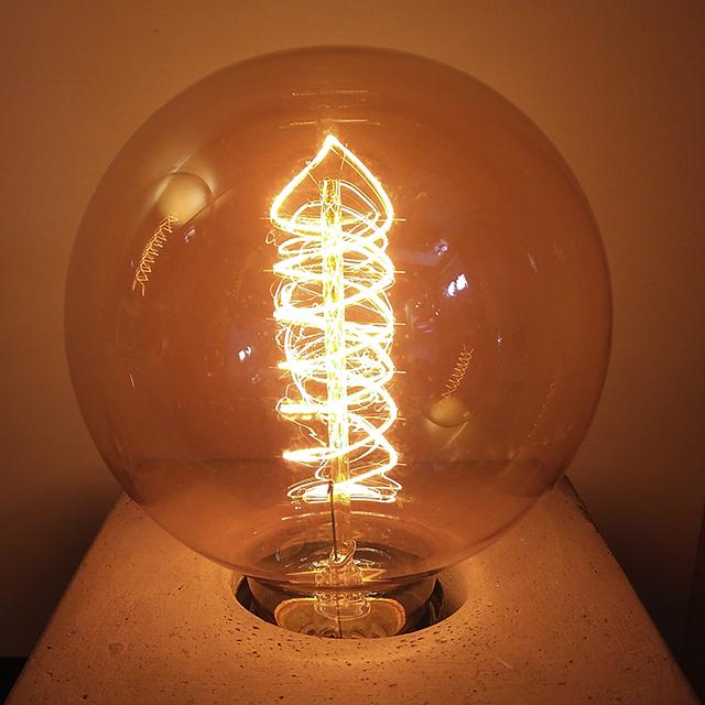 Lâmpada Filamento de Carbono Vintage  G95 40W 110 - 127V