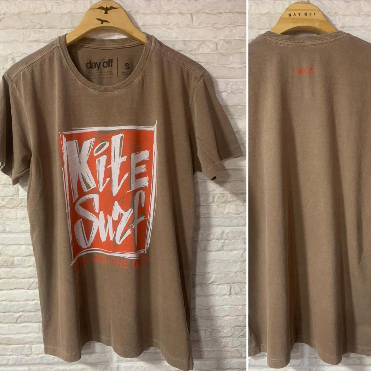 Camiseta T-Shirt  Kite Surf Placa  Marrom