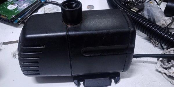 Bomba Submersa Boyu Fp 1006 2100L/h 220v S/ Acessórios