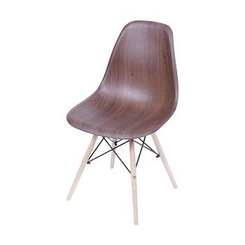 Cadeira Eames base madeira