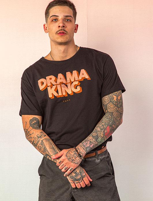 T-SHIRT DRAMA KING