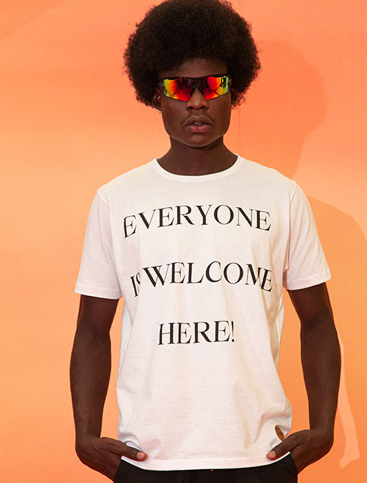 T-SHIRT EVERYONE IS WELCOME HERE