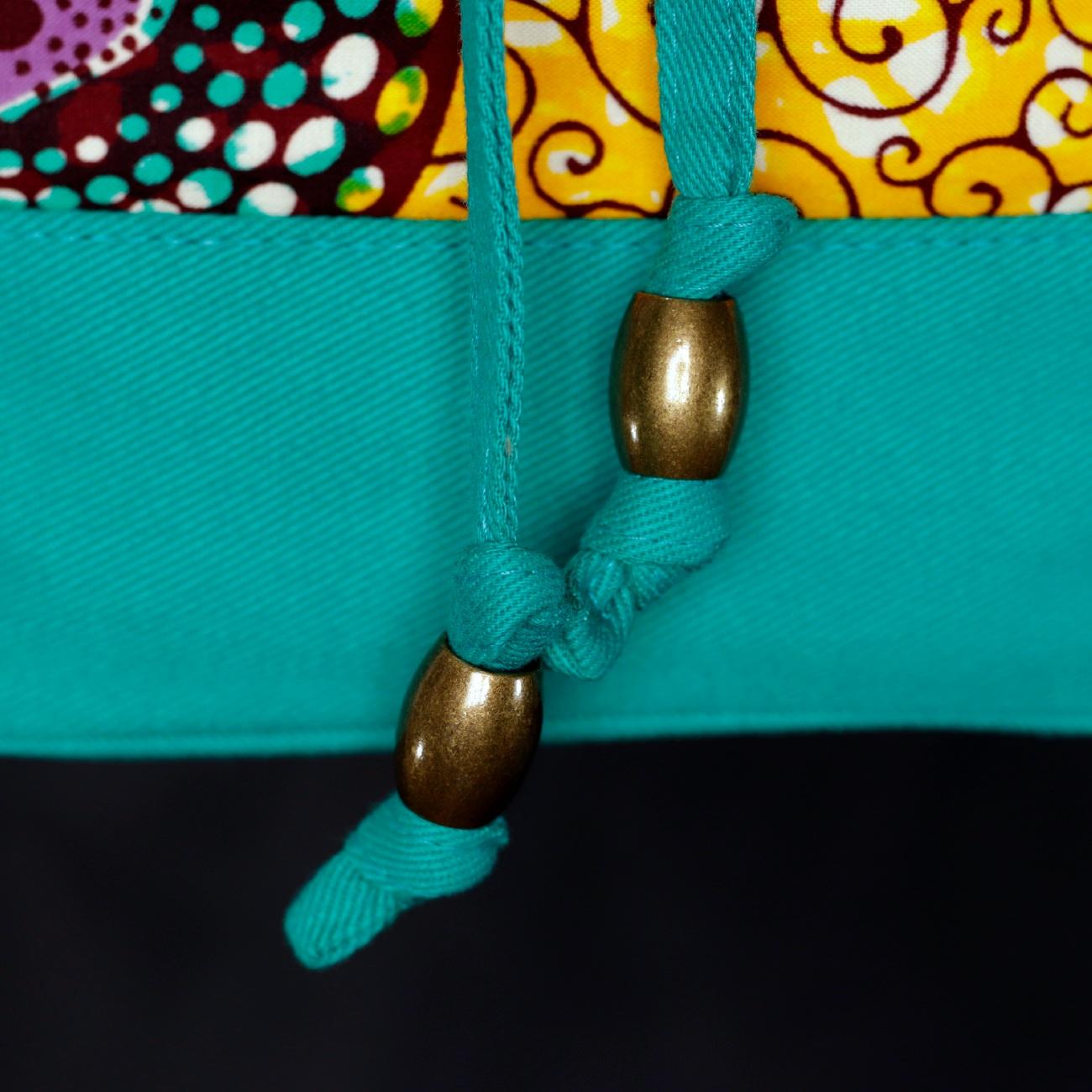 Bolsa Saco Transversal Tecido Africano Amarelo e Turquesa