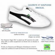 Sapatilha esportiva para Capoeira Branca com detalhes Pretos