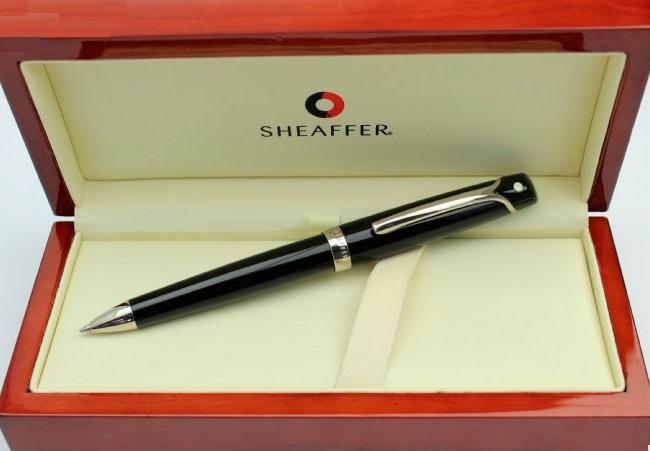 Caneta Sheaffer Valor Acrilico Negro / Dourada esferográfica
