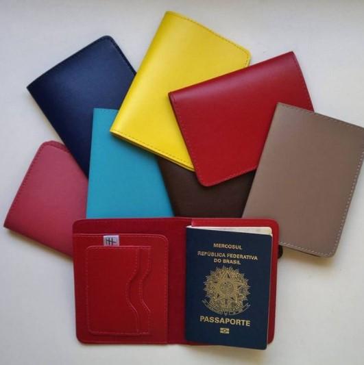 Porta Passaporte Colors Montana