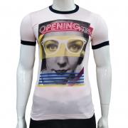 Camiseta com Estampa Retrô Mulher - Pedra D'Agua