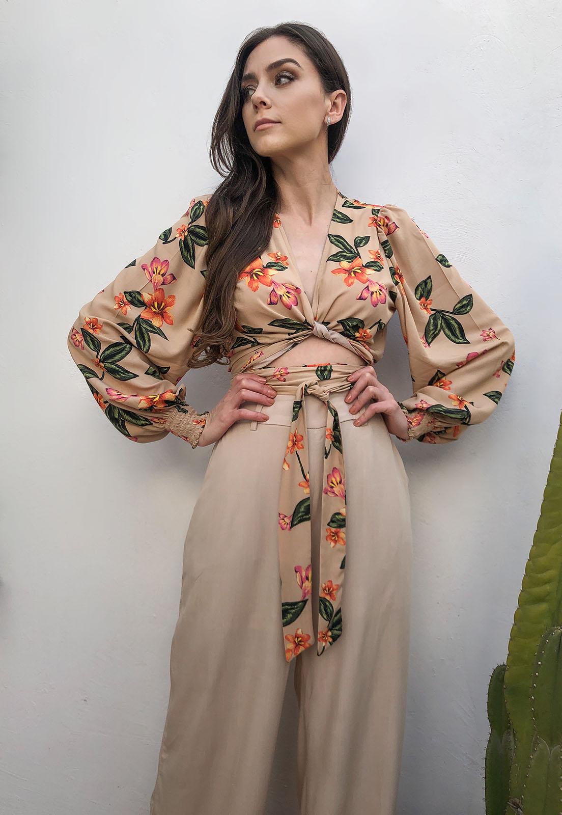 Blusa Cropped Transpasse Nude Floral