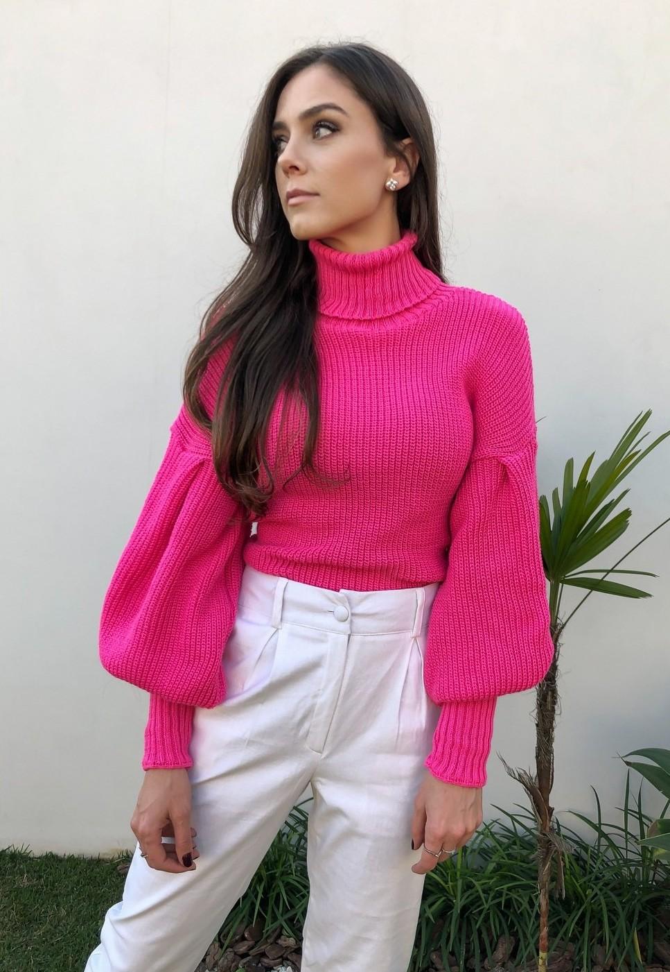 Blusa Tricot Mangas Amplas e Gola Pink Neon