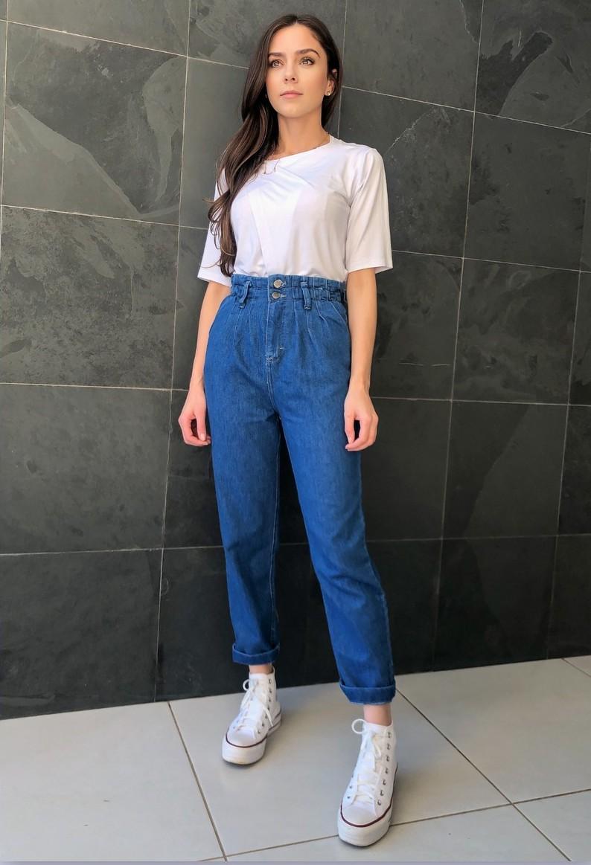 Calça Jeans Mom Cós Elástico Azul Médio