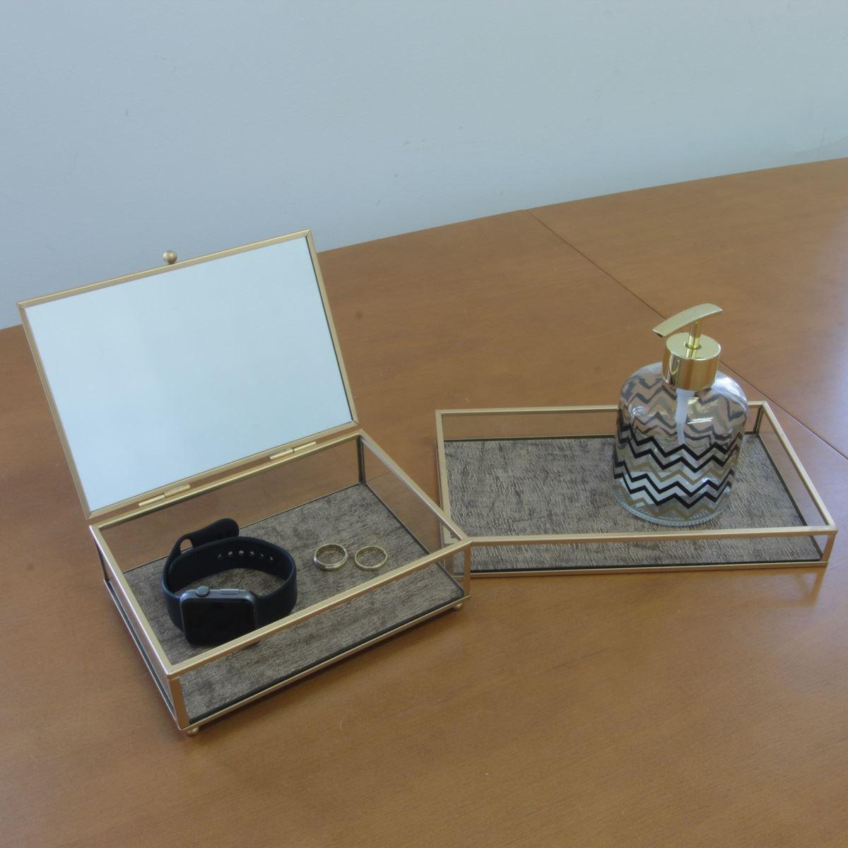 Conjunto porta joia e bandeja metal dourado e vidro BTC