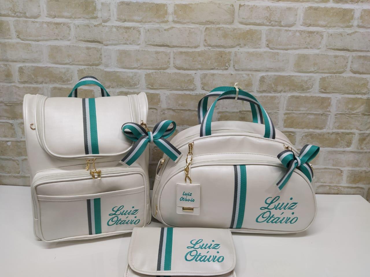 Kit Bolsa Maternidade 3 peças Duna Off White com Fita Bicolor Verde
