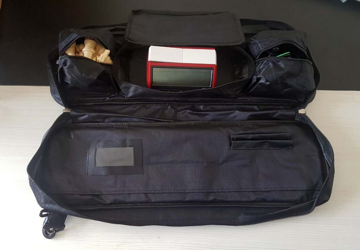 Kit jogo DGT + bolsa delux + tabuleiro mouse pad + relógio DGT 3000 limitado