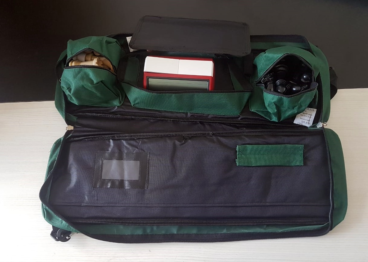 Kit jogo DGTl + bolsa delux + tabuleiro mouse pad + relógio chess clock