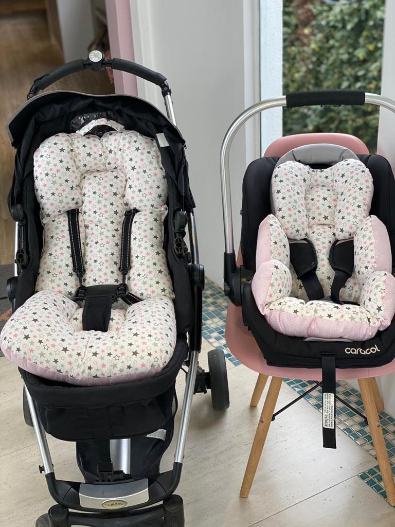 Kit Colchão Carrinho e Bebê Conforto - Estrelas Coloridas com Poá Rosa
