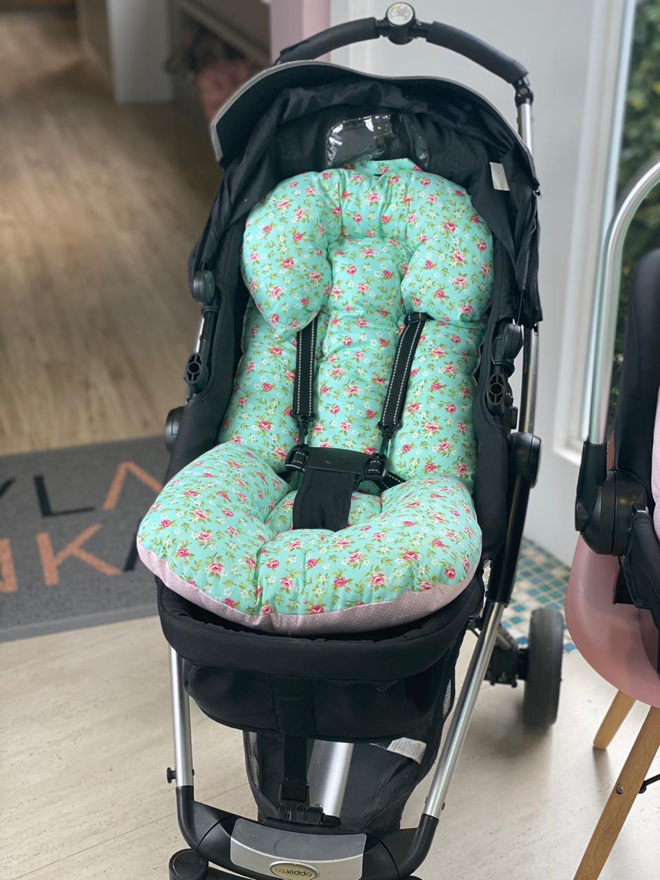 Kit Colchão Carrinho e Bebê Conforto - Floral Poá Rosa