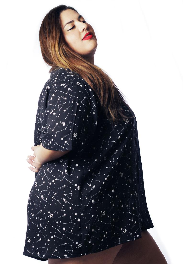 Camisa Plus Size Estampada Viscose Cherry Pop Constelações (P Ao Plus Size)