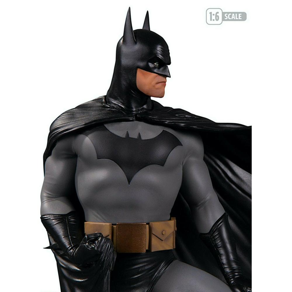 Batman By Alex Ross Deluxe Statue 1/6 DC Designer Series - DC Direct  - SAMERSAN Colecionaveis