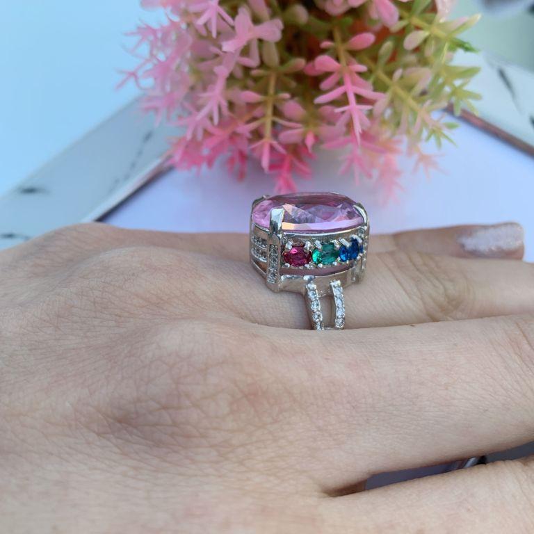 Anel Realeza de zircônia Rosa e micro zircônias coloridas