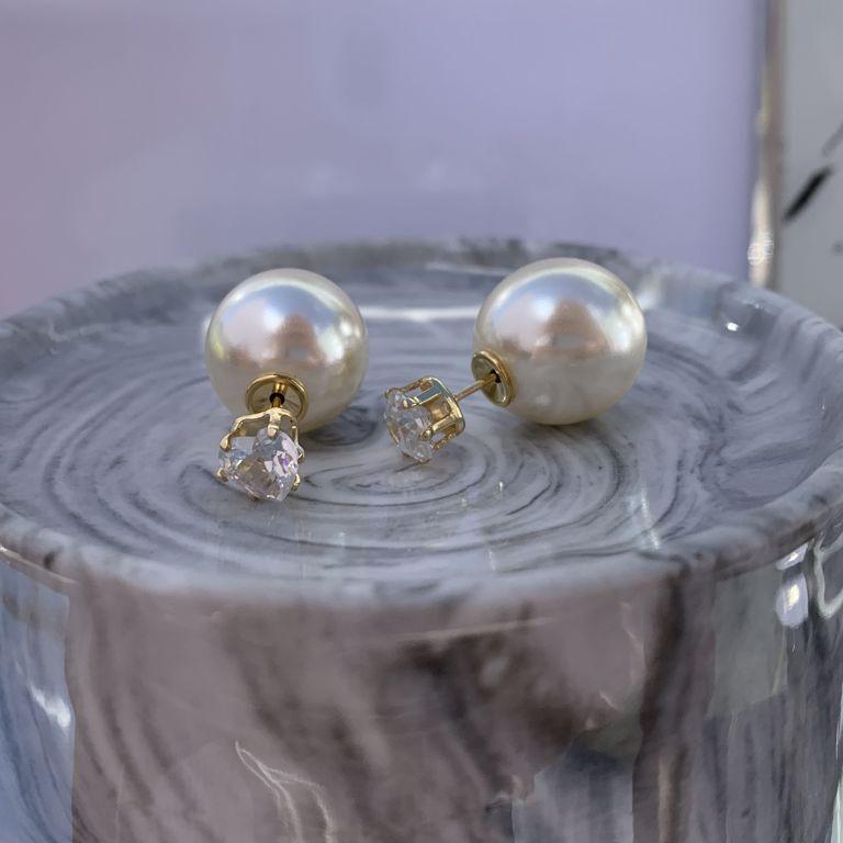 Réplica Dior pérola com a base Coração de zircônia