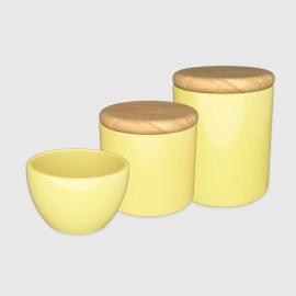 Kit higiene amarelo claro com tampa de madeira