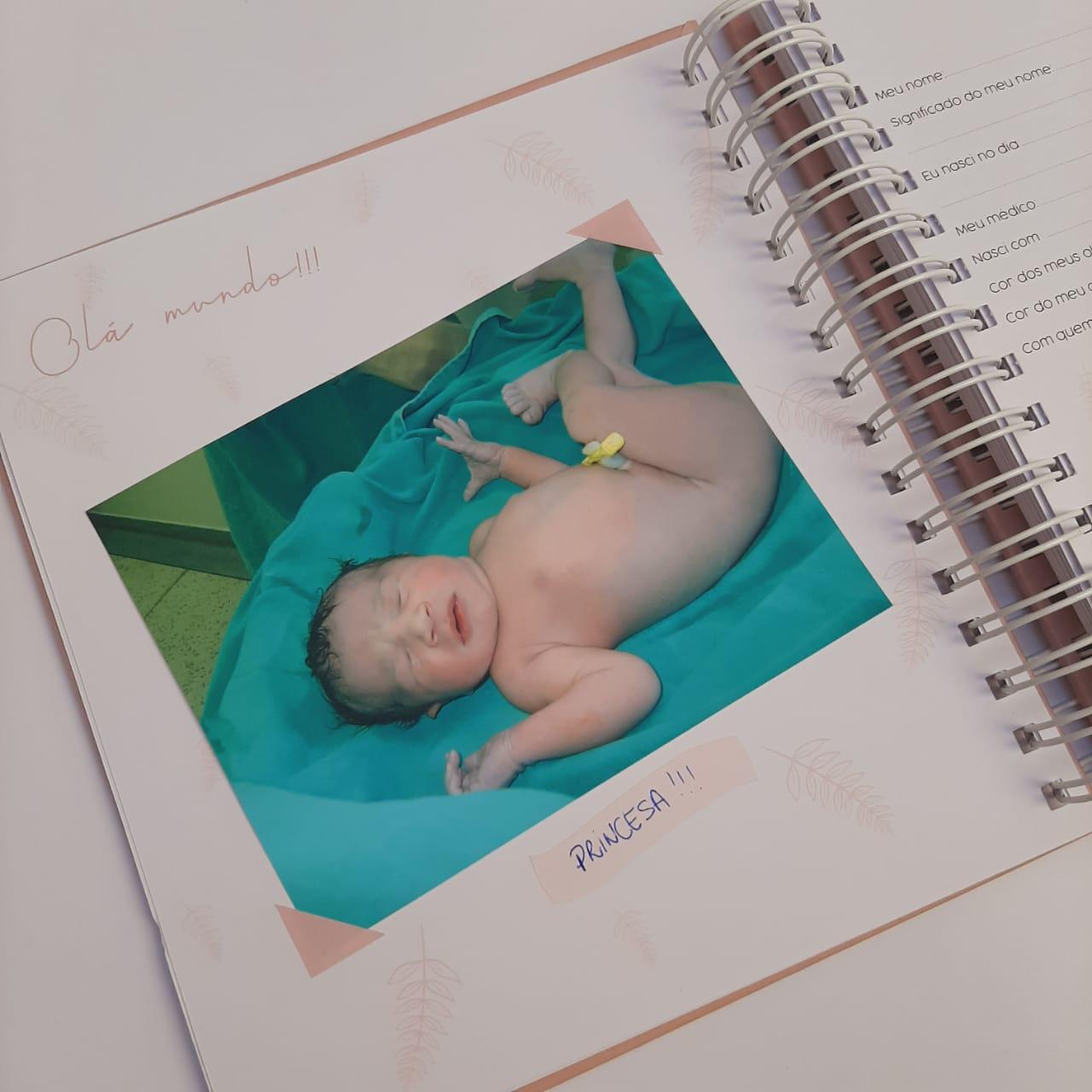 Livro do Bebê Guirlanda Floral