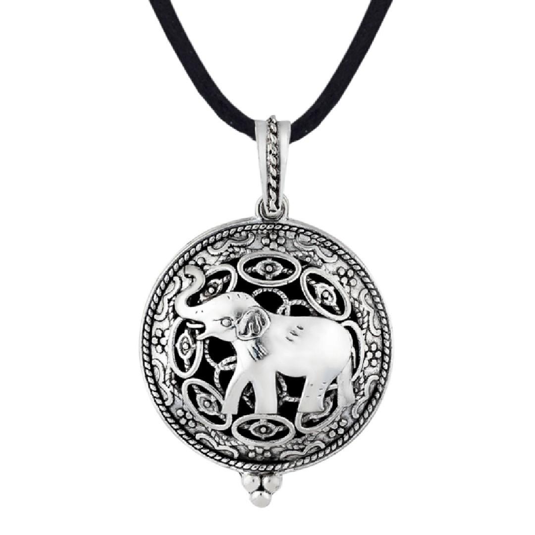 5762R Colar Aromatico Elefante Ródio Cordão Preto