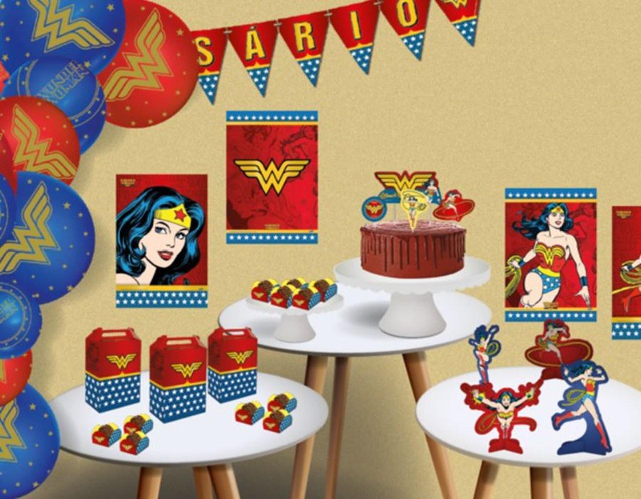 Faixa Feliz Aniversário Mulher Maravilha