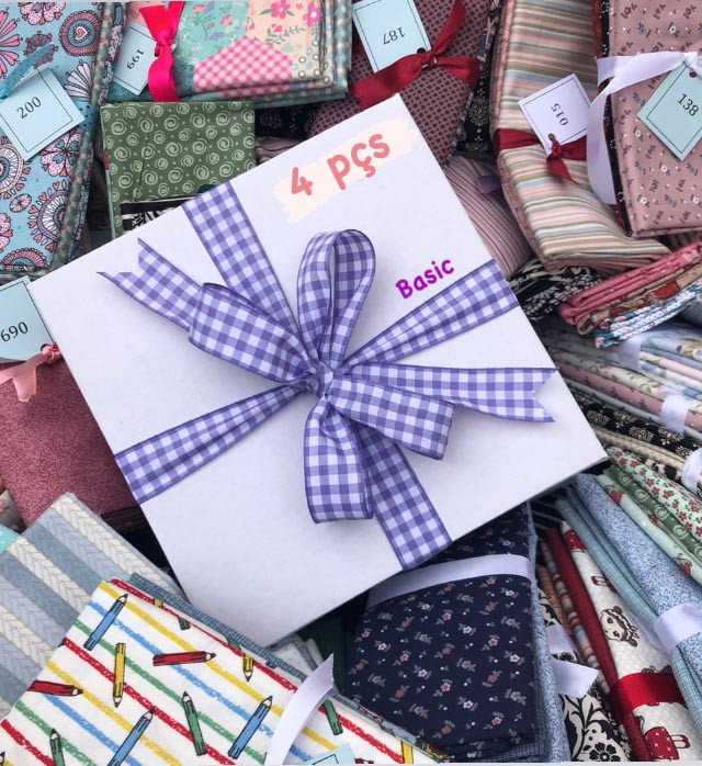 Caixa Surpresinha Basic: Kits Amarradinhos - 30cm x 150cm  - Tecidos Digitais