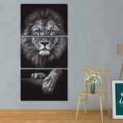 O Leão Majestoso Preto e Branco - Mosaico Vertical