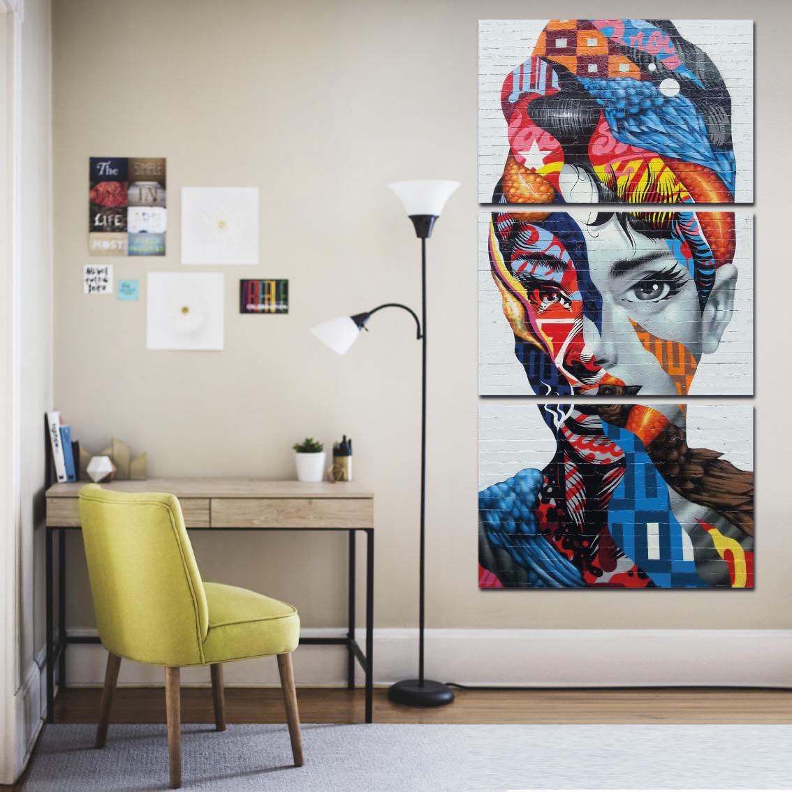 Audrey  Hepburn Street Art - Mosaico Vertical