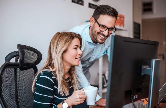 Conheça o que um sistema de Service Desk Online deve fazer por você