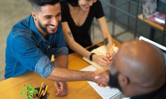 guia completo sobre como atender bem e satisfazer seu cliente