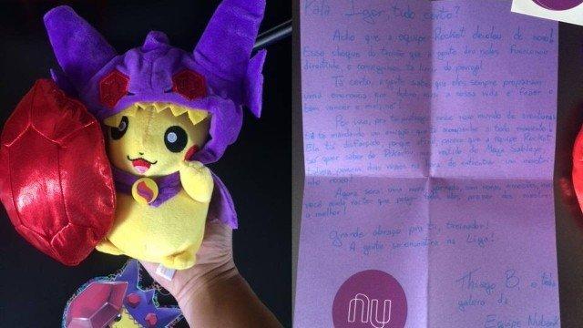 Igor cliente Nubank foi presenteado com um Pikachu de pelúcia