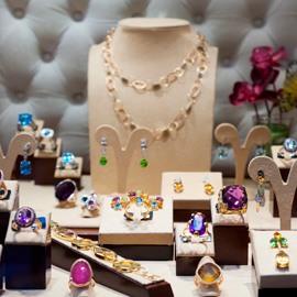 Entenda as diferenças entre joia, semijoia e bijuteria
