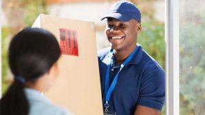Correios ou transportadora, qual utilizar para entregar seus produtos?