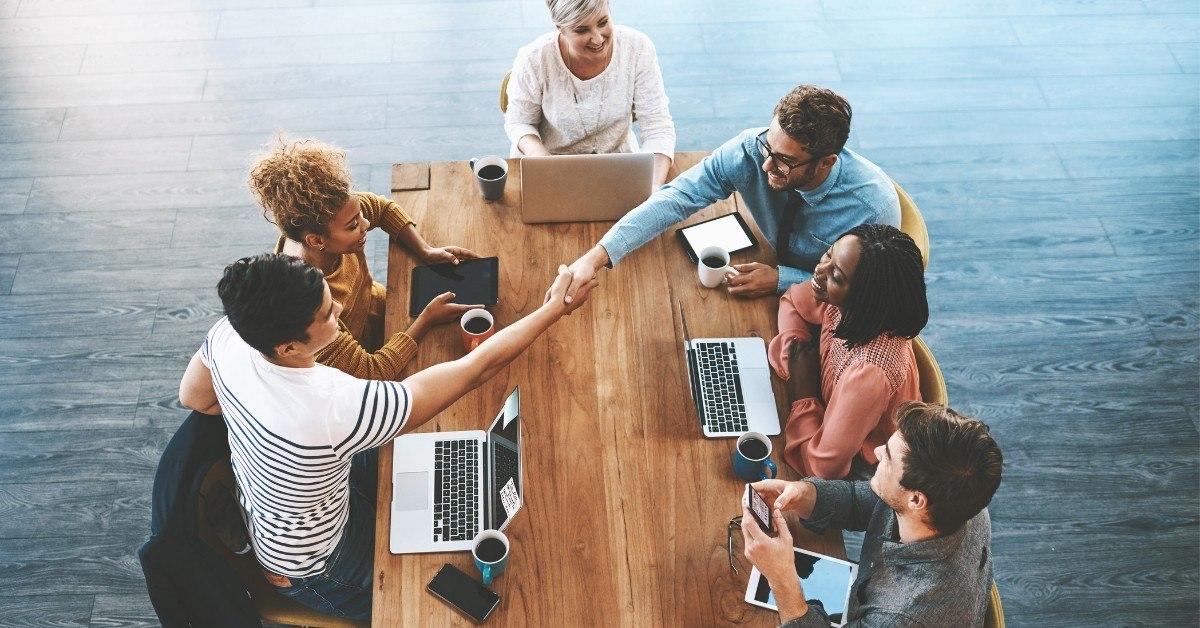 Quais as vantagens do outsourcing para uma startup? Entenda